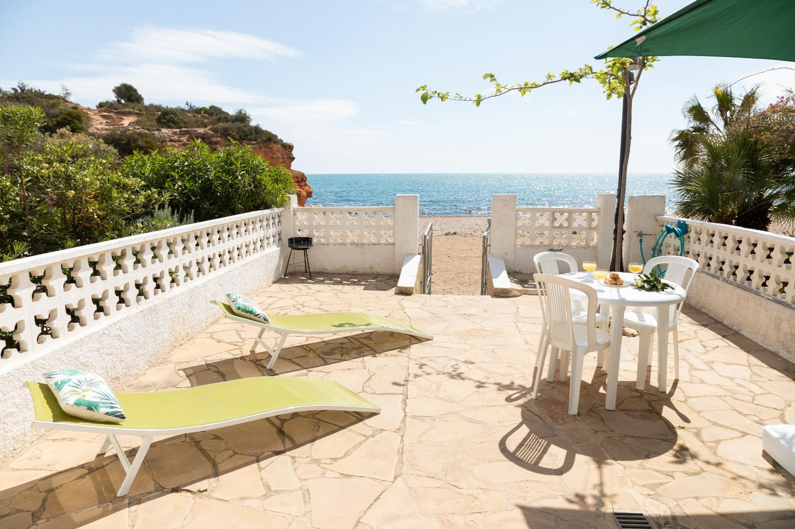Semidetached house -                                       Ampolla (l´) -                                       2 bedrooms -                                       4 persons