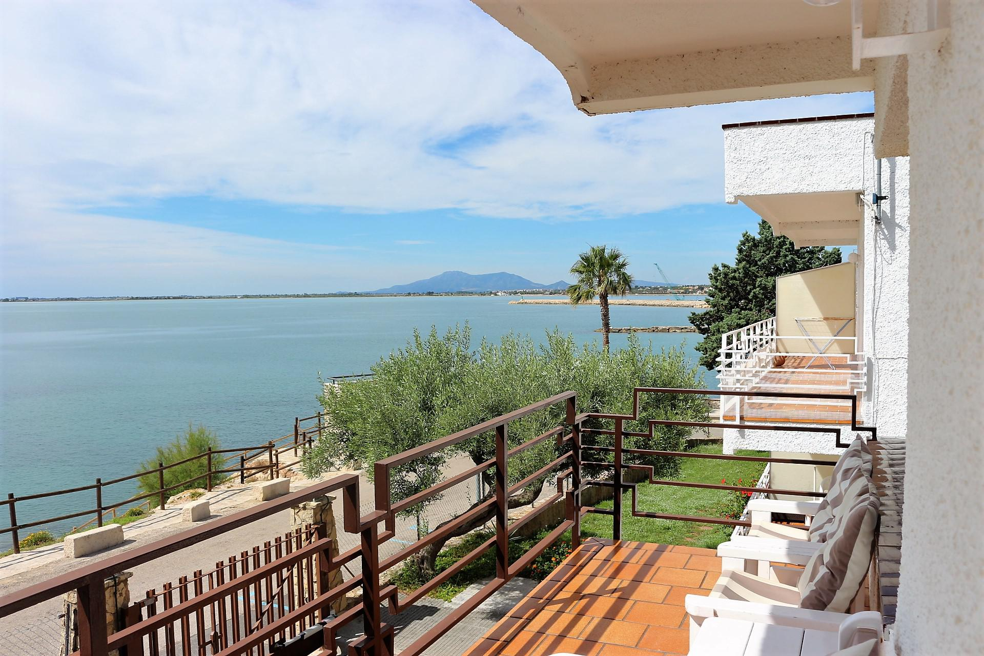 House -                                       Ampolla (l´) -                                       3 bedrooms -                                       6 persons
